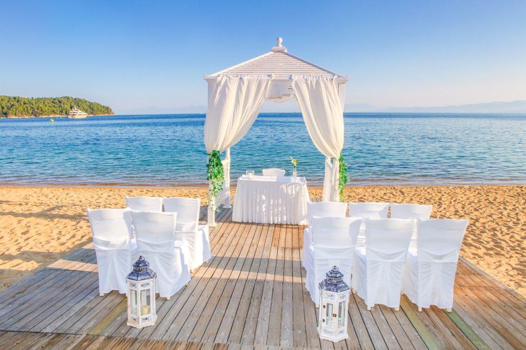 結婚式でのVR活用事例5選!