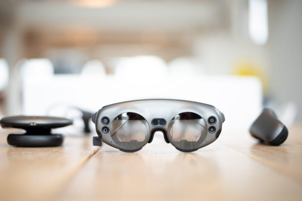 同じように見える「スマートグラス」と「AR/MRグラス」その違いは?
